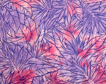 Dancing Leaf Print Hawaiian Fabric - Bandanna & Mask Making - Pink/Purple PC065PU