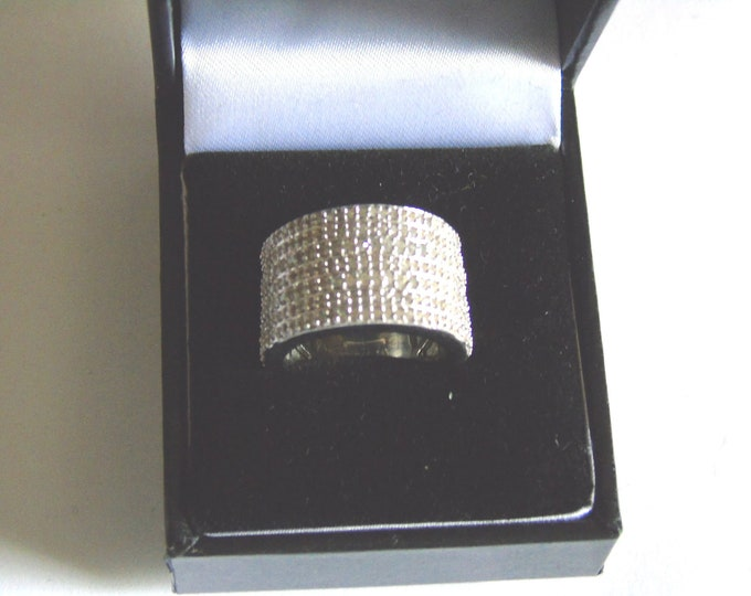 round cut 228 diamonds ring ( last one of this type )      comes in gift box