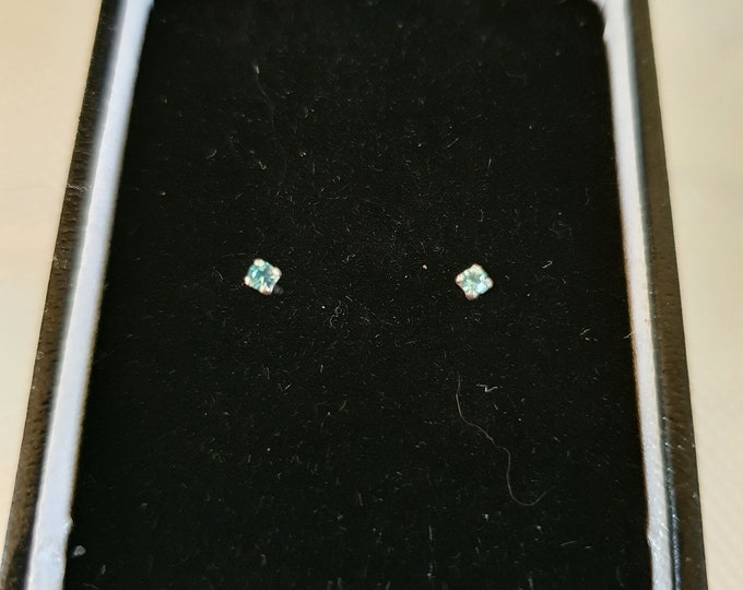 pair studs blue crystal design sterling silver studs in gift box