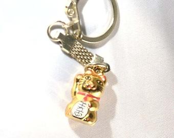 gold plated shiny waving cat design keyring, keyob, lucky chinese waving cat.