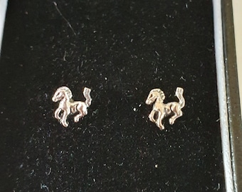 pair studs horse design sterling silver studs in gift box