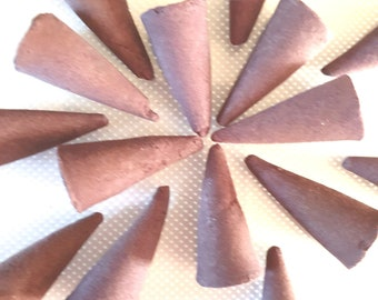lavender scent hand moulded hand mixed cones  20 hand made in uk lavender long lasting scent cones