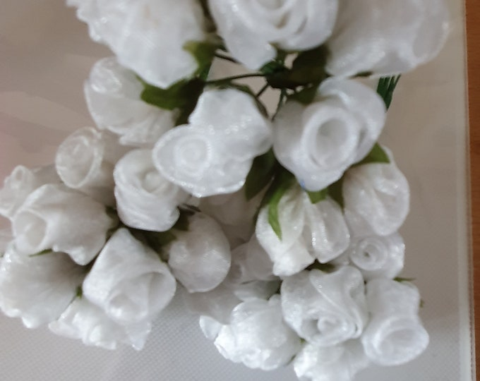 12 white  flowers ideal for crafts,and decoration