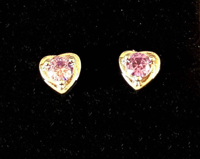 amethyst studs heart shape on sterling silver earrings  claw set, 1 mainstone    in gift box