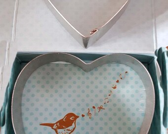 heart cutters for the kitchen ideal cookies cakes bread etc with 2 heart cookie cutters