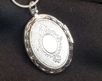 R-14 21 x 15mm Personalized engraved Locket- Choose Chain Customized Oval Locket Necklace Oval Locket Sterling silver Necklace