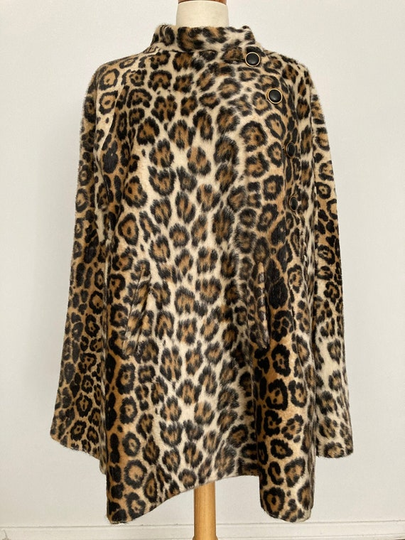 1960s Faux Cheetah Fur Cape JUST FANTASTIC!!!