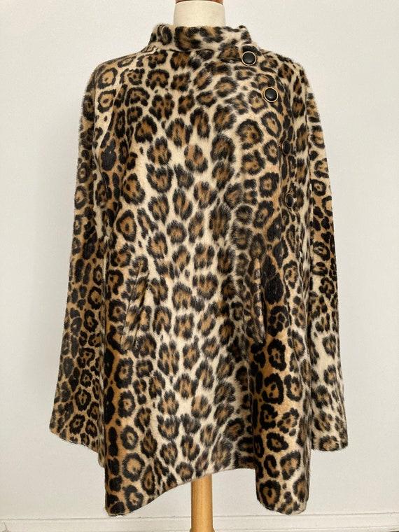 1960s Faux Cheetah Fur Cape JUST FANTASTIC!!!