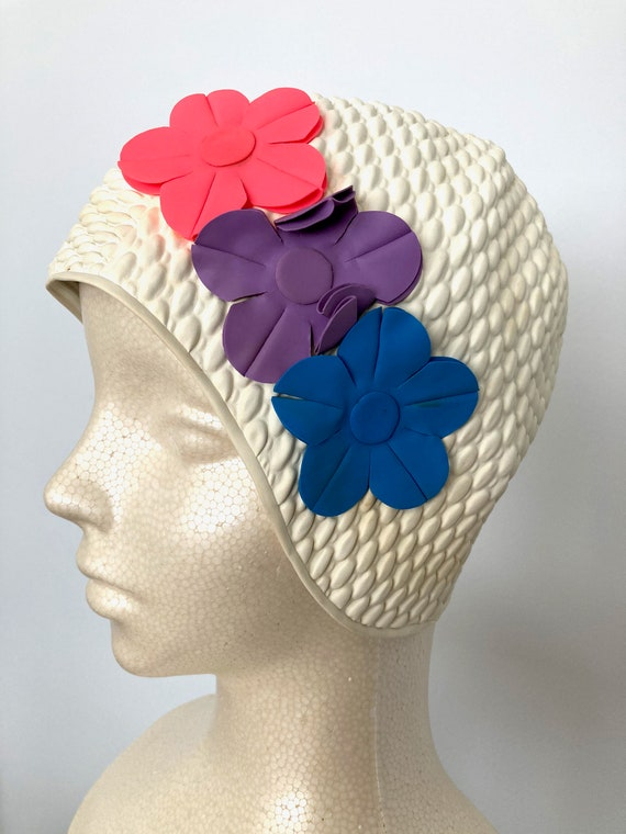 2000s Vintage-inspired Floral Bubble Swim Cap whit