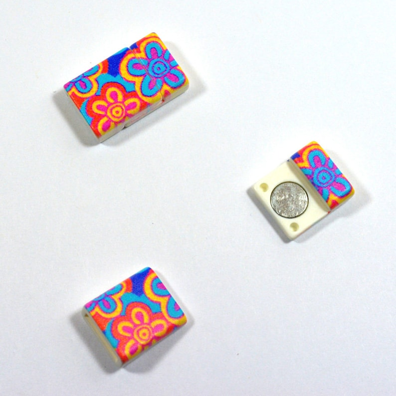 10mm Flat Lightweight Acrylic Clasps Pop Art Flowers Choose Your Quantity