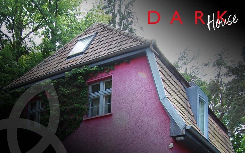 Netflix DARK Dach-Ziegel  NicePrice Opposite Site image 0