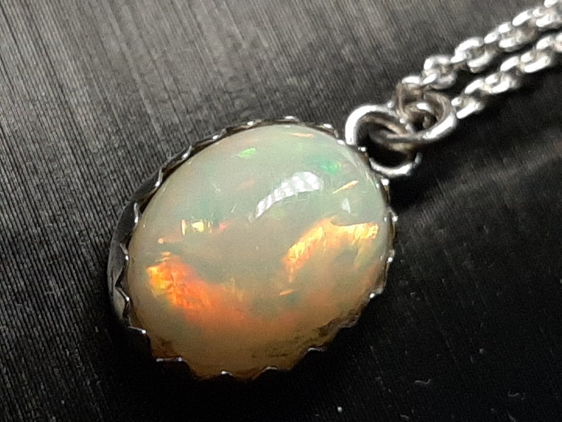 14 x 11mm Natural Welo Opal 2.4 Cts. Sterling Silver Pendant  Sparkly  Colorful With Vibrant Flash 1.0 inch Drop Pendant W18 Inch Chain