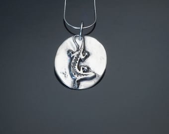 """silver lizard  necklace on 20"""" sterling silver chain"""