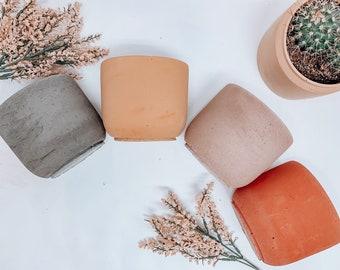 Concrete Plant Pot   Concrete Planter   Minimalist Planter   Medium Planter with Drainage   Succulent Planter   Indoor Planter   Flower Pot
