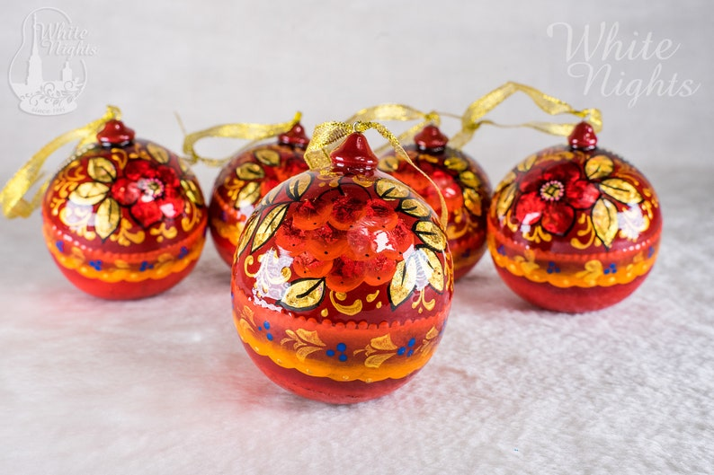 Russian beauty Wooden ball 2.36 6cm hand painted Christmas tree ornament Christmas decoration