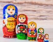 Nesting Matryoshka doll, Russian family, Traditional Tea drinking Samovar Wooden stacking dolls, Gift for mom, wedding