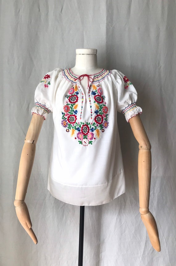 Hungarian Embroidered Colorful Blouse / Vintage Ha