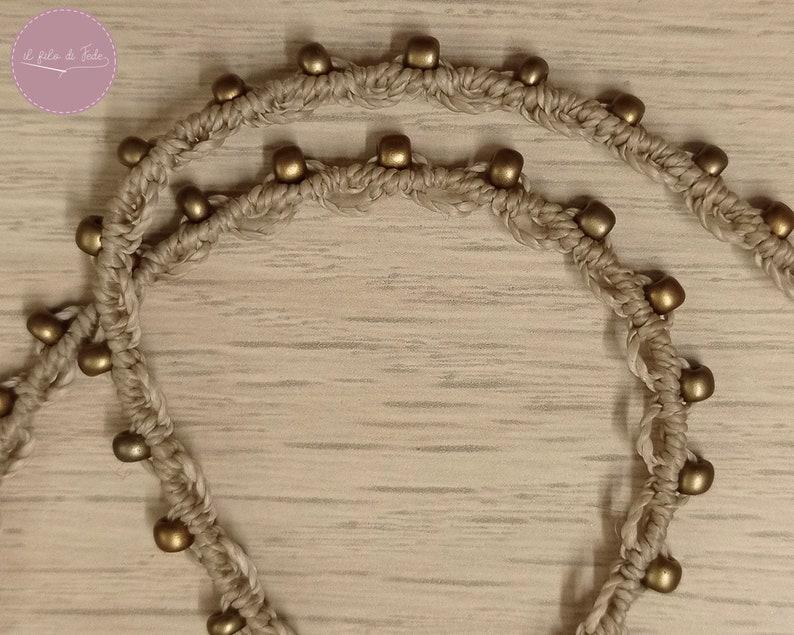 Adjustable pendant necklace with lapis lazuli