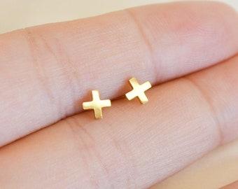 Hadley gold X earrings, X studs, Cross Earrings, Cross studs, Minimalist Gold Jewelry, criss cross studs, x shape studs, x shape earring