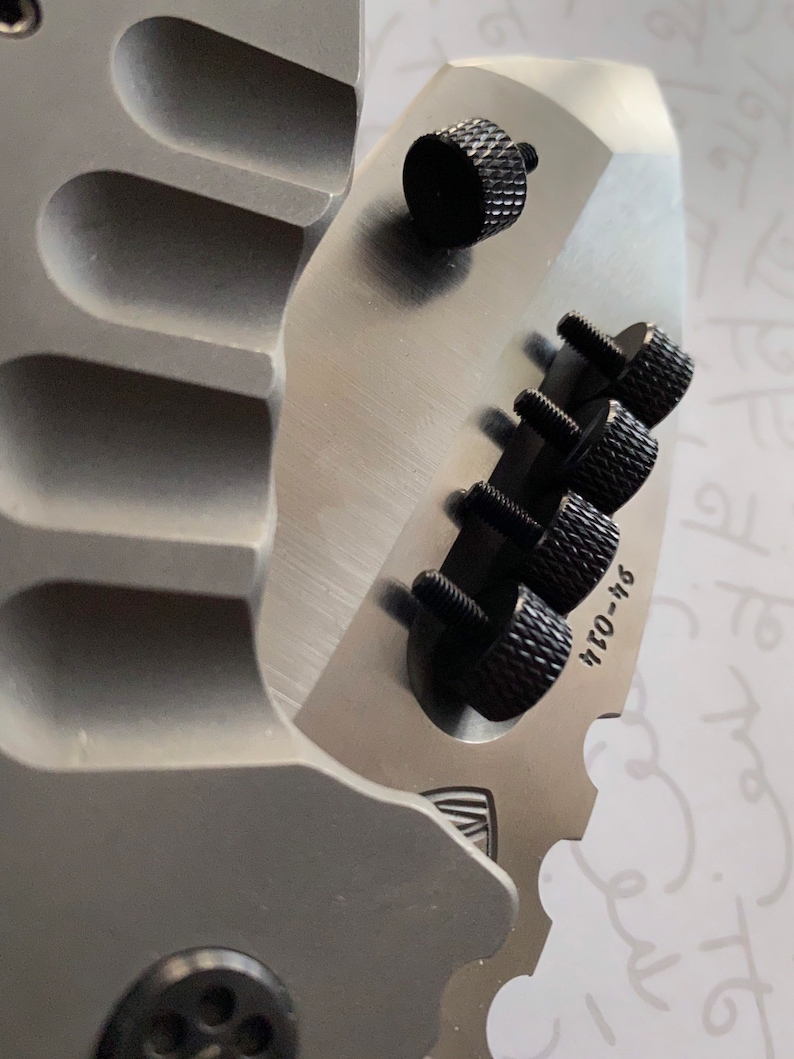 M3x6mm THUMB TWIST Screw  Custom Building  Knurled  Aluminum  1x Screw  Black
