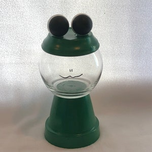 Candy Dish Frog Faux Gumball Machine Room Decor for kid/'s room or nursery party favor