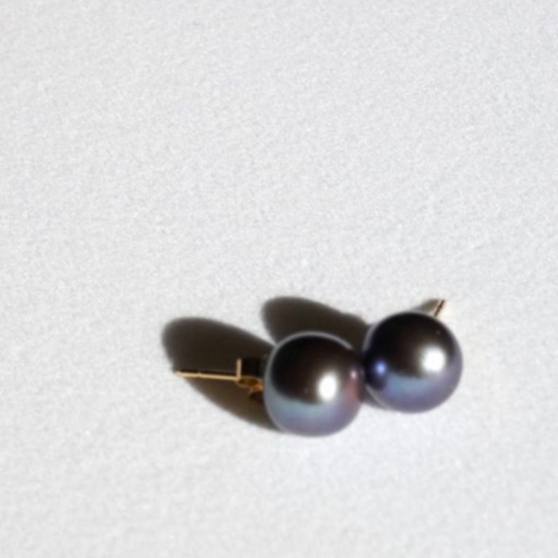 Earrings Natural Pearls of Sumbawa Metal Blue Color Gold 18 Carats 18K Gold Stems and Strollers Made in France