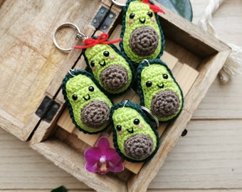 Crochet Avocado Keychain, Kawaii Avocado Half, Squishy Amigurumi Fruit, Kawaii Charm. Customizable Bag Charm, Mini Fruit Plush Toy, Green