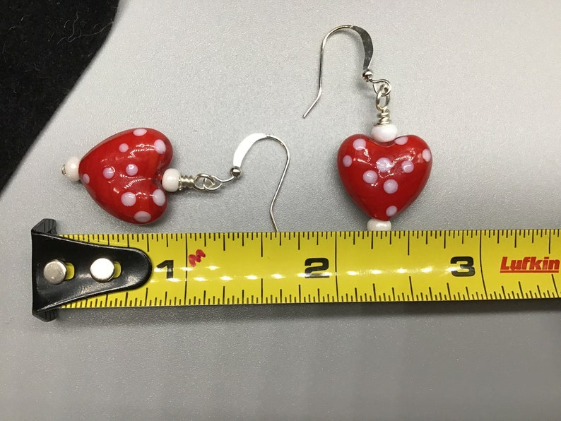 red acrylic and white seed beads pierced earrings and matching bracelet set Red heart shaped glass bump beads with white dots