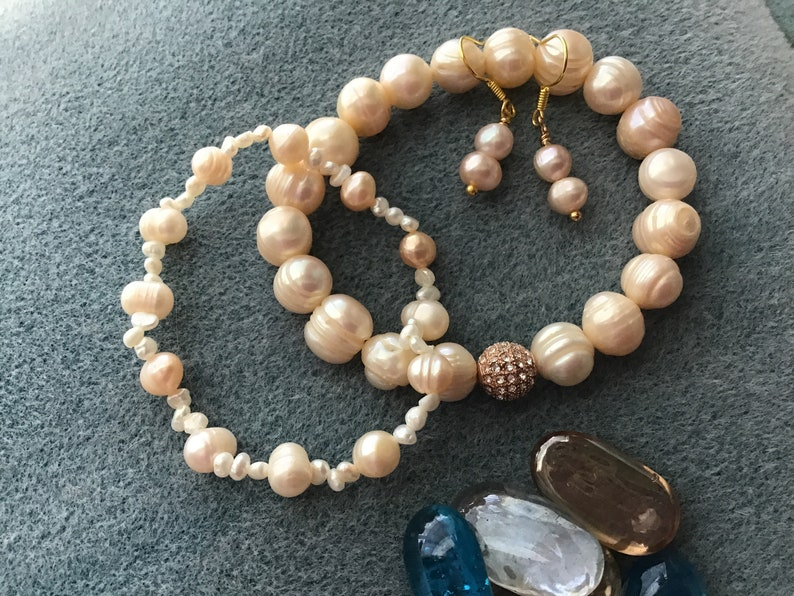 Freshwater pearl stretch bracelets and earring set