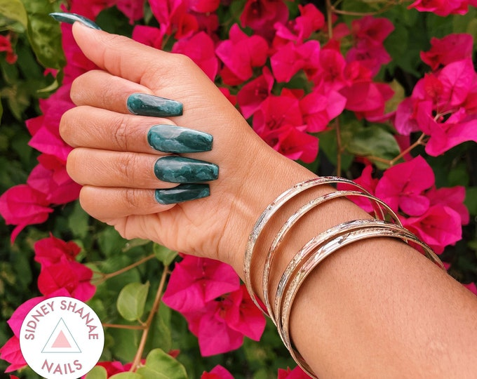 Taurus Emerald | Stone Collection | Press on Nails | False Nails | Matte or Glossy