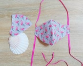 Protective mask in cotton fabric, 2 layers, with elastic. For WHAT. Pink Flemish motif