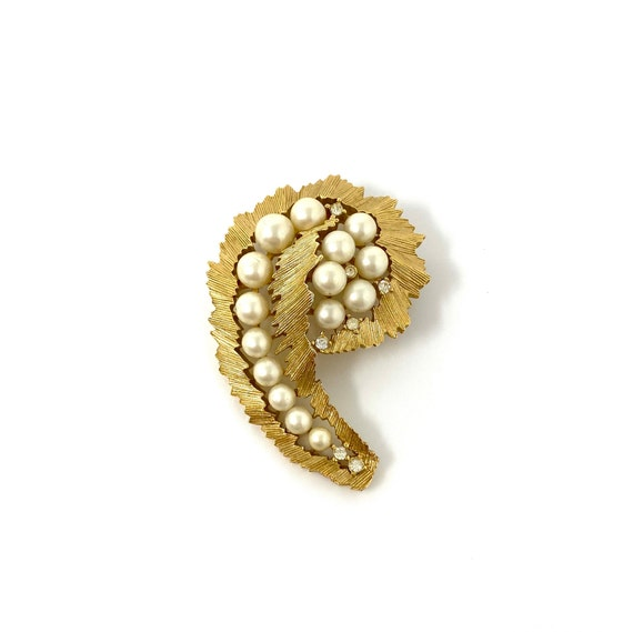 Vintage Trifari Gold Pearl & Rhinestone Brooch Pin - image 3