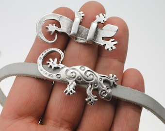 20 x Antique Silver Tone Lizard Gecko Charms Pendants Beads for Jewellery Making