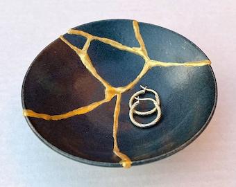 Midnight Blue Kintsugi Bowl - Key Holder - Home Decor- Jewelry Container -Gold Repair - Kintsugi Jewelry Tray - Kintsugi Pottery - Wabi Sabi