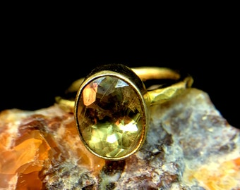Natural Turkish colour change diaspore and citrine band ring