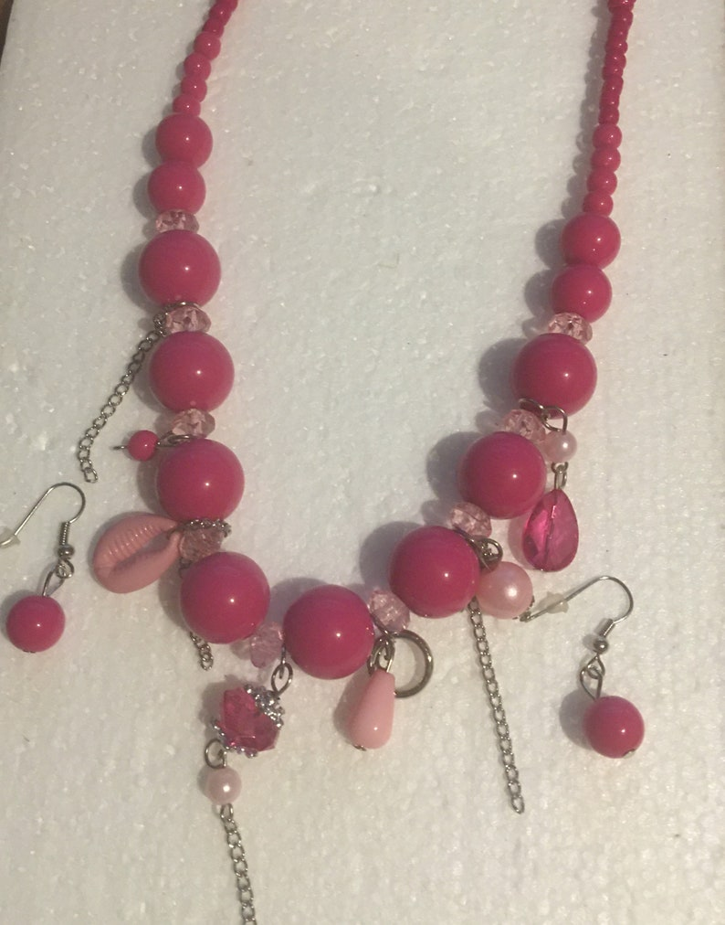Ivory or Pink Ivory Color Beaded Adjustable Necklace With Crystal Glass Beads Faux Pearls and Seashell Beads and earrings Set