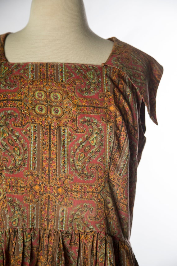 Lovely 1960s Red Brown Paisley Print Sleeveless C… - image 3