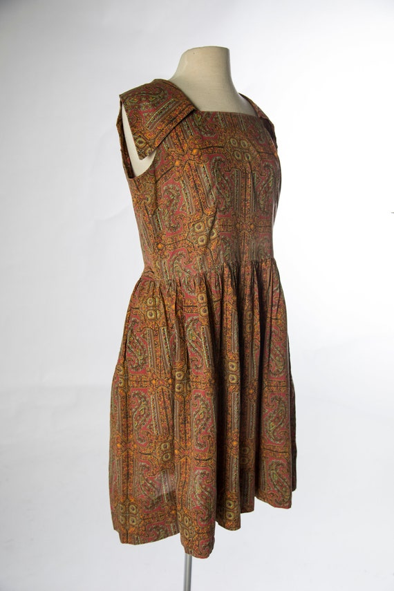 Lovely 1960s Red Brown Paisley Print Sleeveless C… - image 4
