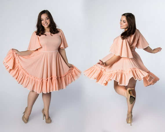 Wonderful 1970s Peach Square Dance Dress Swiss Dot