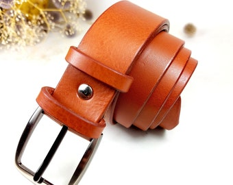 Men's and women's tailor-made leather belt, made in France with vegetable tanning leather