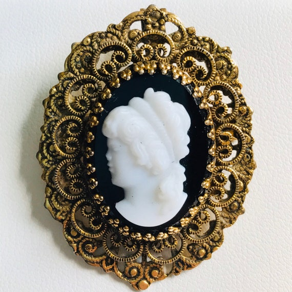 Black White Cameo Brooch Pin Pendant Combination Gold Tone Scroll work filigree vintage
