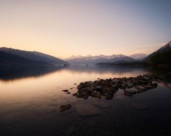 Photograph of Lake Thun at sunrise