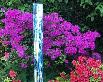 Garden stele - artistically designed (white-blue-gold)
