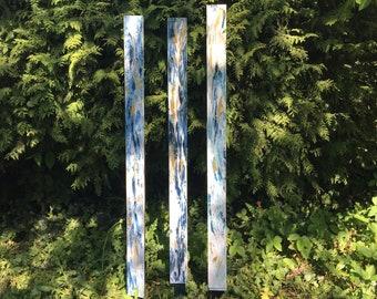 Gartenstele 3-series group - artistically designed (white-blue-gold)