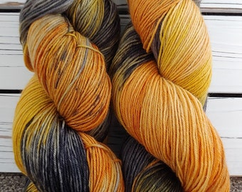 BOO! Spooky Yarn, Halloween colors, orange, black, fall colors, pumpkins, superwash wool, nylon, sock, shawl, fun yarn, seasonal yarn