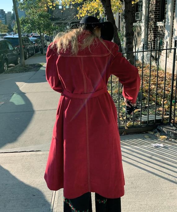 VINTAGE 1970s Suede Trench Coat — Vintage red sue… - image 2