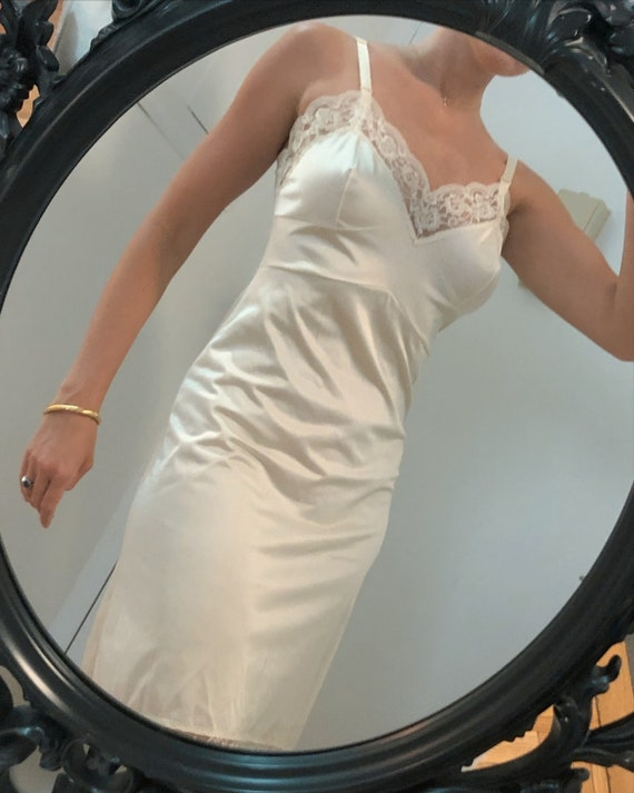 VINTAGE ivory lace slipdress —      vintage dress