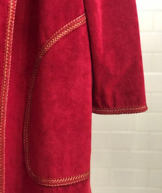 VINTAGE 1970s Suede Trench Coat — Vintage red sue… - image 10