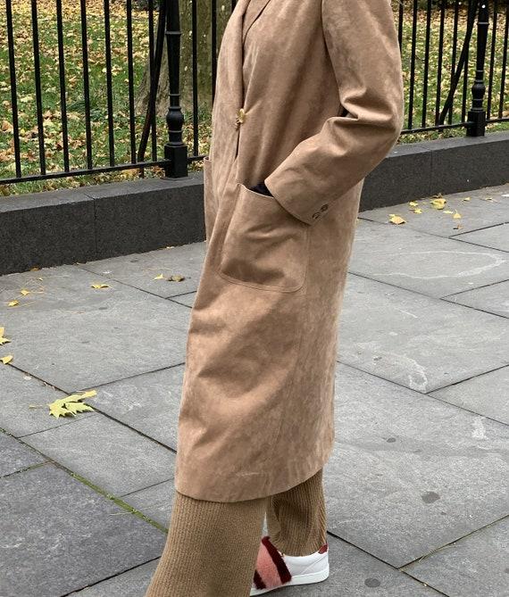 Vintage 1970s Mollie Parnis Coat — vintage 1970s m