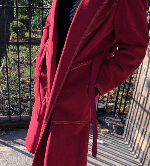 VINTAGE 1970s Suede Trench Coat — Vintage red sue… - image 6